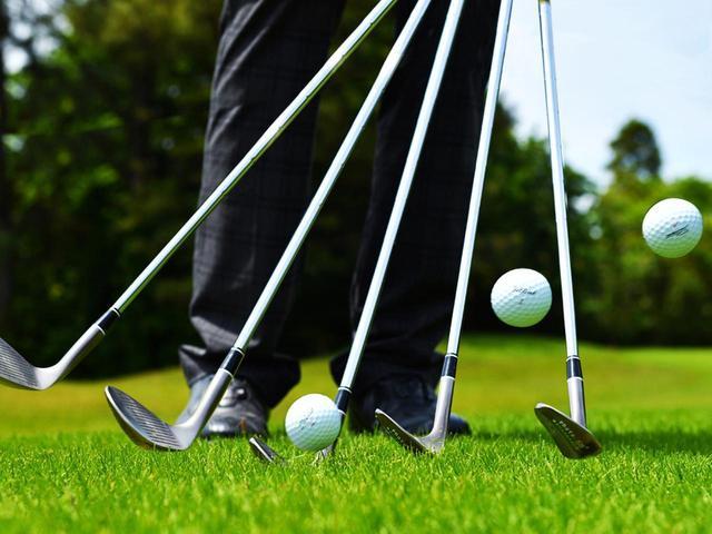 画像: 【アプローチ】ゆっくり打つほど上手くなる① アマは98ビート、プロは60ビートのリズム。振り子のテンポが理想です! - ゴルフへ行こうWEB by ゴルフダイジェスト