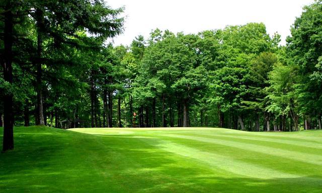 画像: リバーヒルゴルフ倶楽部 全長6912ヤードの丘陵林間コース、パー72(18H)