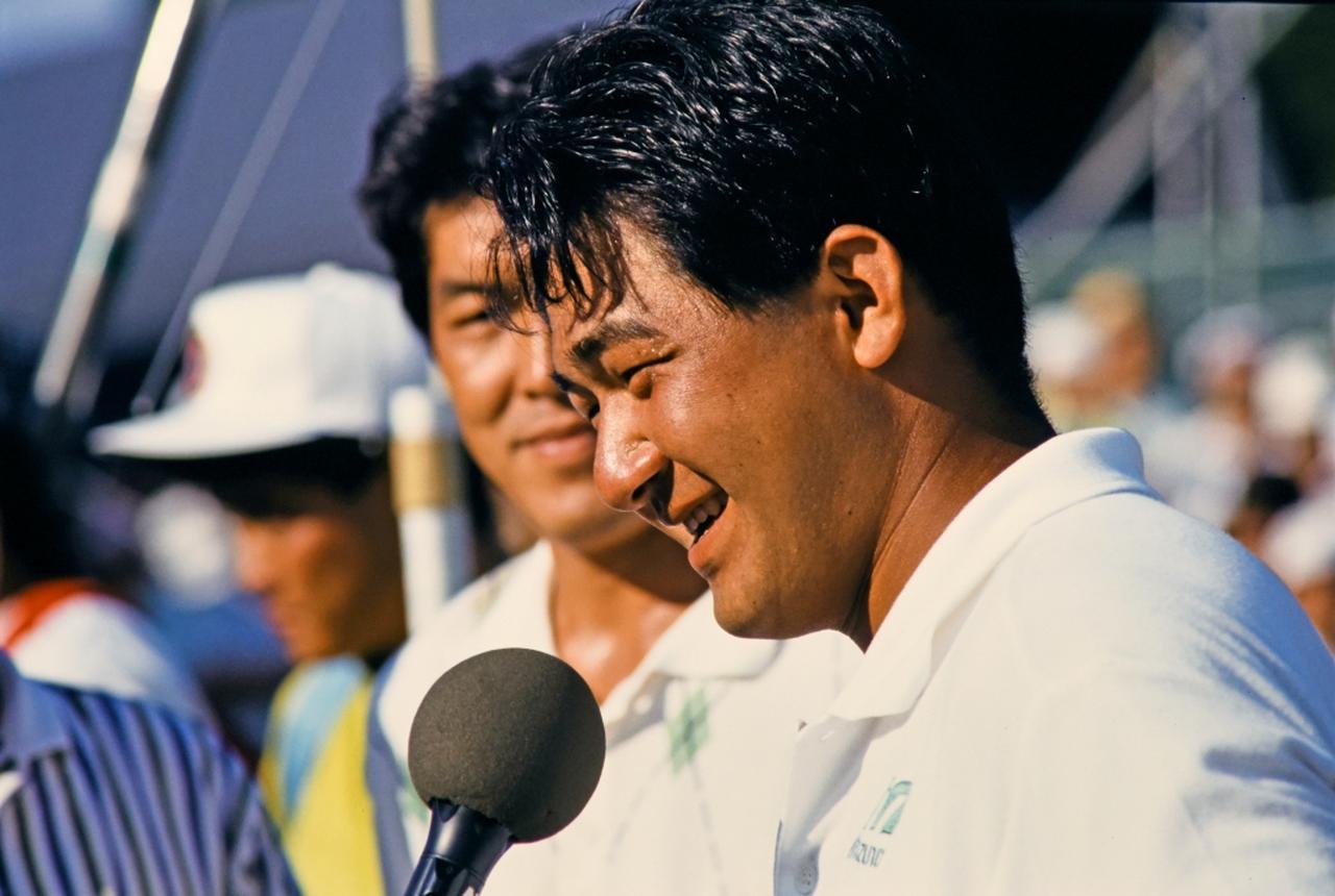 画像: 勝利者インタビューに答える川岸