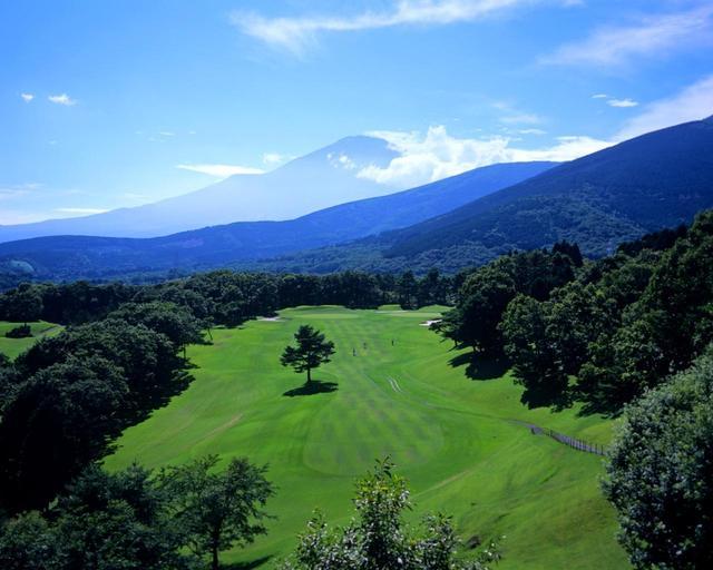 画像: 東富士カントリークラブ 14番(400Y・P4)AとBの2グリーン