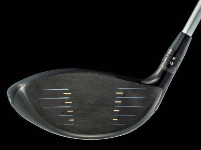 画像: フェースはシャローだが 丸みを帯びた形状からか、 力強い弾道とソフトな打感が得られている