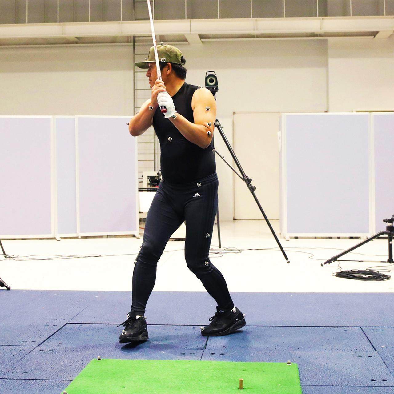 画像11: 【チェ・ホソン】反力打法のDr.クォンがフィッシャーマンズスウィングを解剖。片足で回ると飛距離が伸びるその仕組み