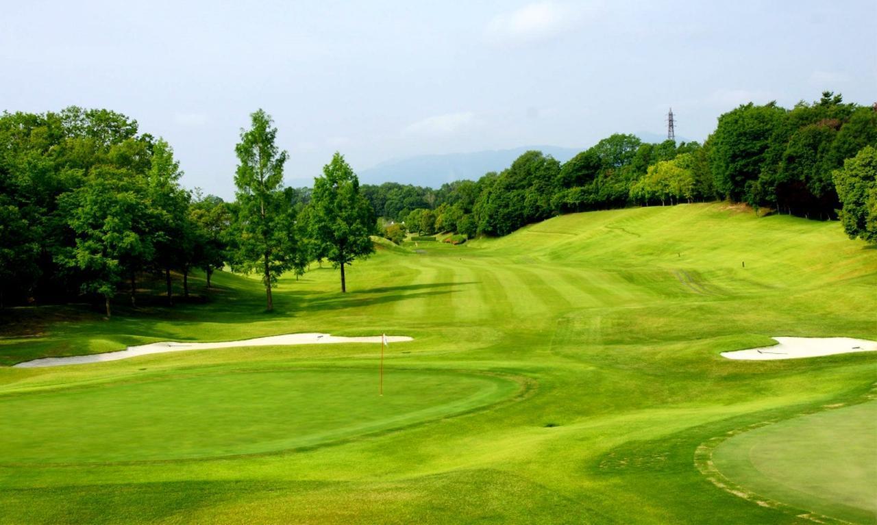 画像: 比良ゴルフ倶楽部 18ホール(6837Y・P72)1番(430Y・P4)