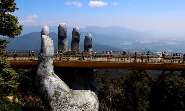 画像1: ゴールデンブリッジ「ブッダの手」