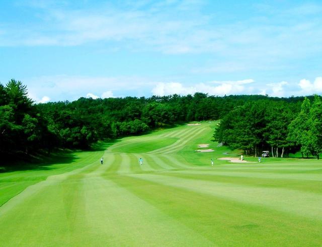 画像: 三木ゴルフ倶楽部 距離が長く変化に富んだ地形を利用した丘陵コース。開場は昭和48年