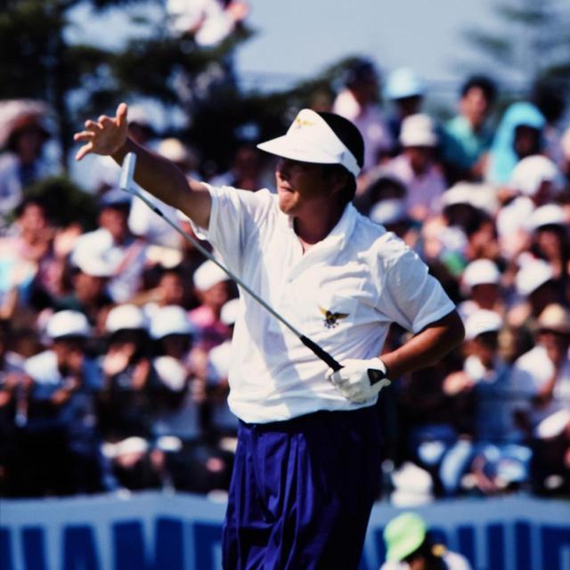 画像: 最終日61の圧巻のゴルフ。ジャンボらしい決めポーズも随所に見られた