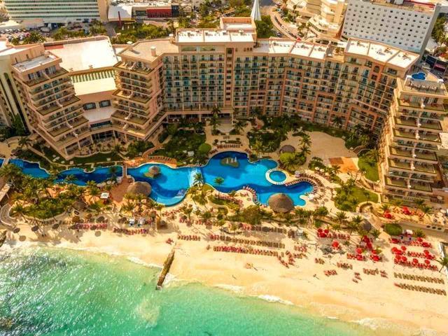 画像1: 「グランド フィエスタ アメリカーナ コーラルビーチ」 ビーチリゾート カンクンの中でランドマークになっている老舗ラグジュアリーホテルに宿泊