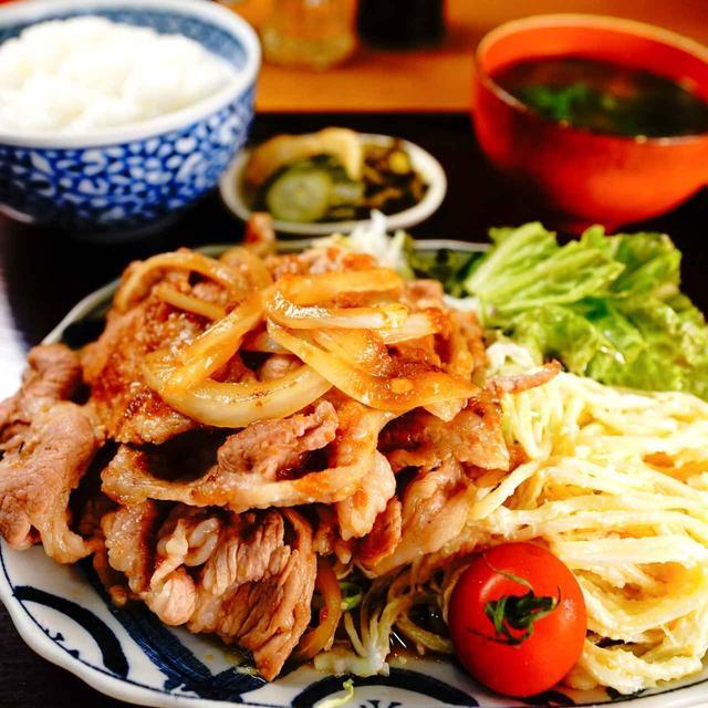 画像: 東大ご用達のガツ盛り定食。菱田屋の「豚の生姜焼き」