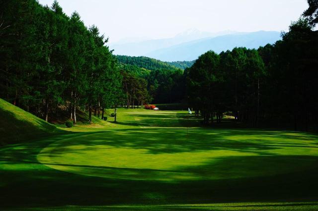 画像1: 普段より球が飛ぶのでご注意を。八ヶ岳・蓼科のおすすめゴルフ場