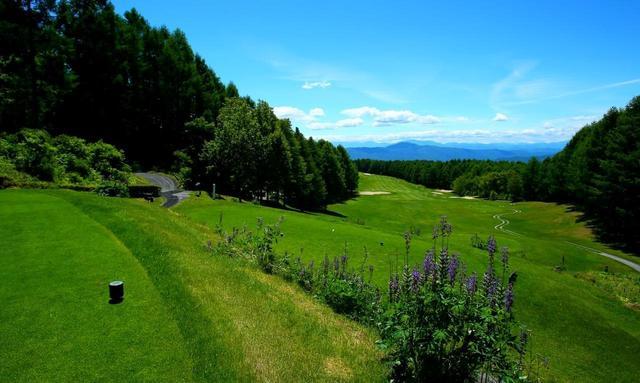画像1: 【長野・蓼科】八ヶ岳や南アルプスを眺めて標高1200mの避暑ゴルフ 3日間 3プレー - ゴルフへ行こうWEB by ゴルフダイジェスト