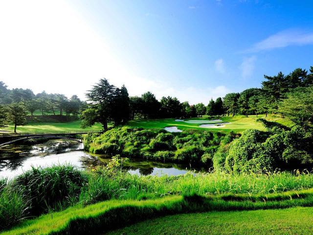 """画像: 【日本オープン2018】舞台は新生・横浜カントリークラブ。クーア&クレンショーによって生まれ変わった""""自然回帰""""。アダム・スコットが魅せる世界の技 - ゴルフへ行こうWEB by ゴルフダイジェスト"""