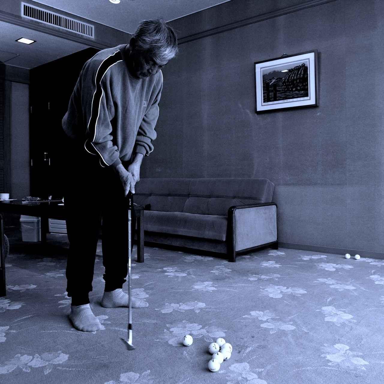 画像2: 【通勤GD】高松志門・奥田靖己の一行レッスンVol.35 「教わる前に見てみよう、親指!」ゴルフダイジェストWEB
