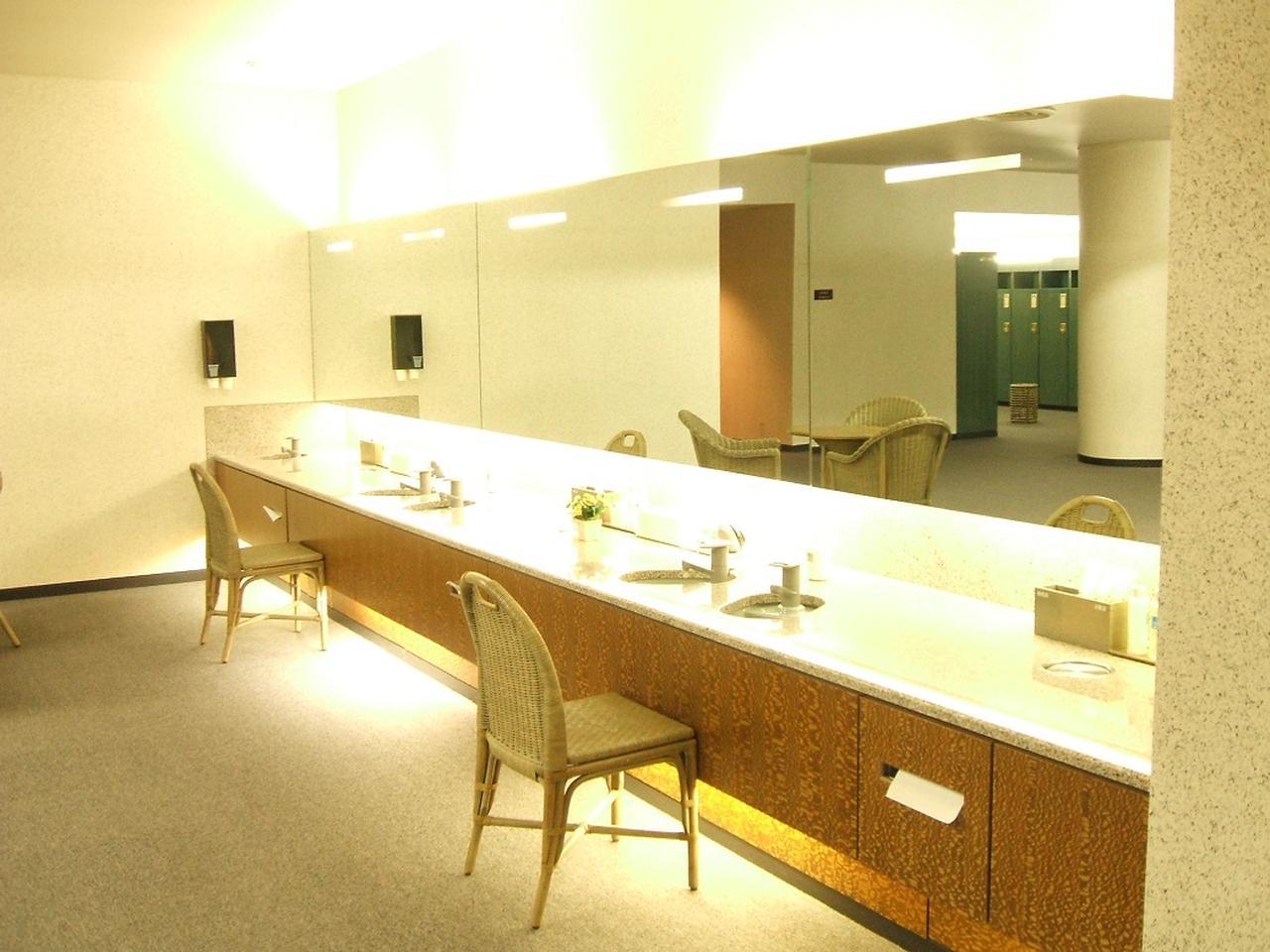 画像: ロッカールームは、ゆったりとした造り。