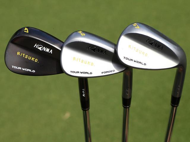 画像: ウェッジも本間ゴルフのTW-Wの3本
