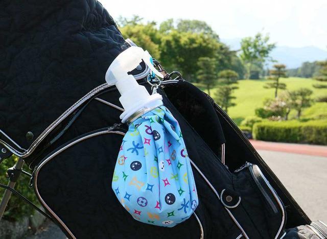 画像: キャディバッグに吊るせる「カラビナ」付の特別仕様が嬉しい