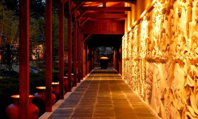 画像: 松泉宮(温泉)の廊下