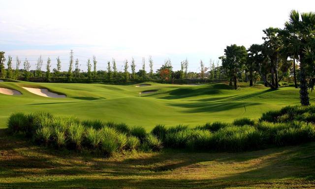 画像1: 【タイ・名コース】バンコクを拠点に、新鋭「ニカンティ」、名門「タイCC」など厳選7コース。回りたいゴルフ場で5日間2ラウンド - ゴルフへ行こうWEB by ゴルフダイジェスト