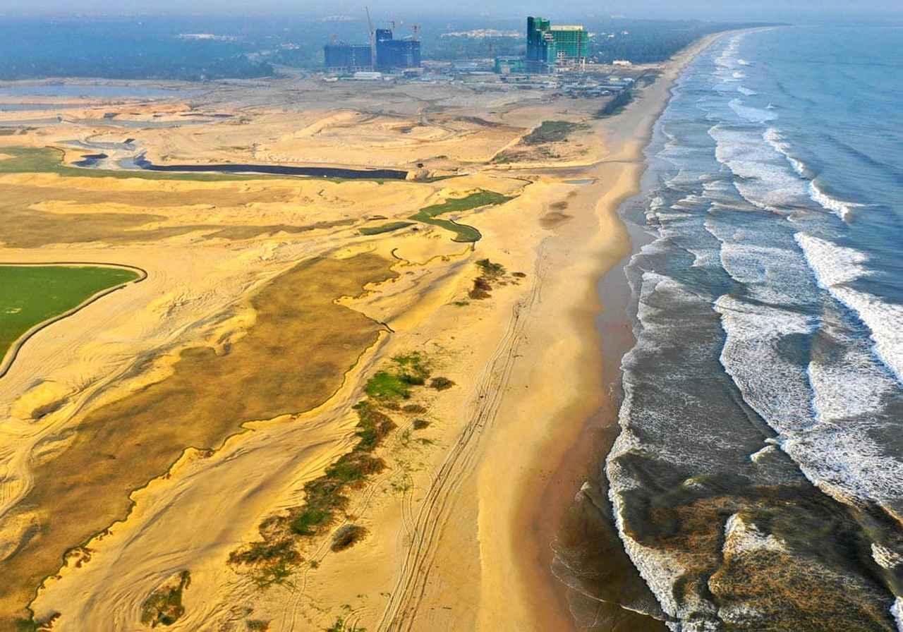 画像: 砂浜からそのまま続くコース