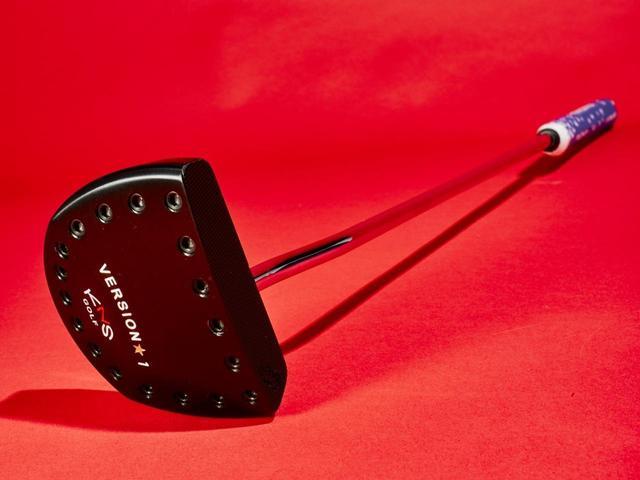 画像: 【パター】これなら入る。アームロックパターがついに完成、販売開始。月刊GDとキナセゴルフの特注コラボ! デシャンボーへ手渡しに行っちゃう? - ゴルフへ行こうWEB by ゴルフダイジェスト
