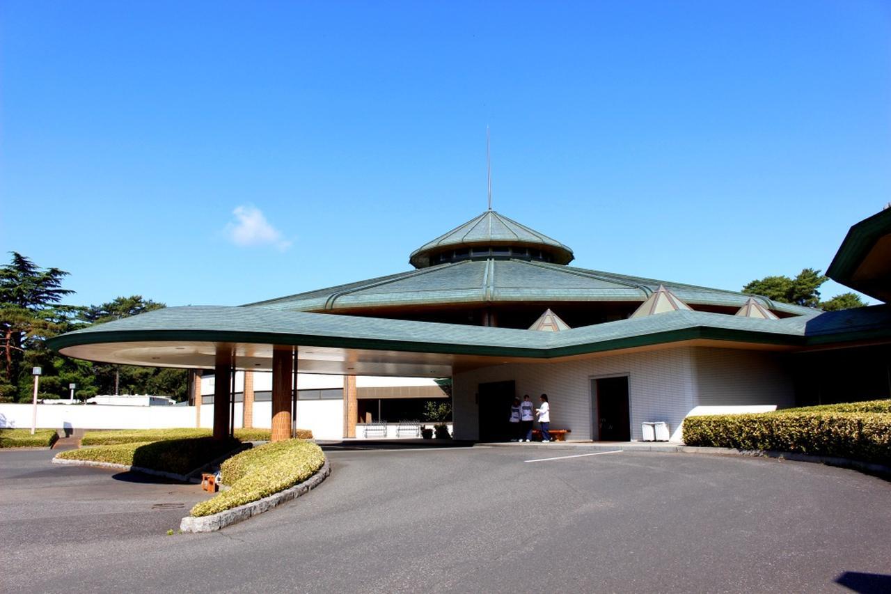 画像: 江戸崎カントリー倶楽部のクラブハウス玄関