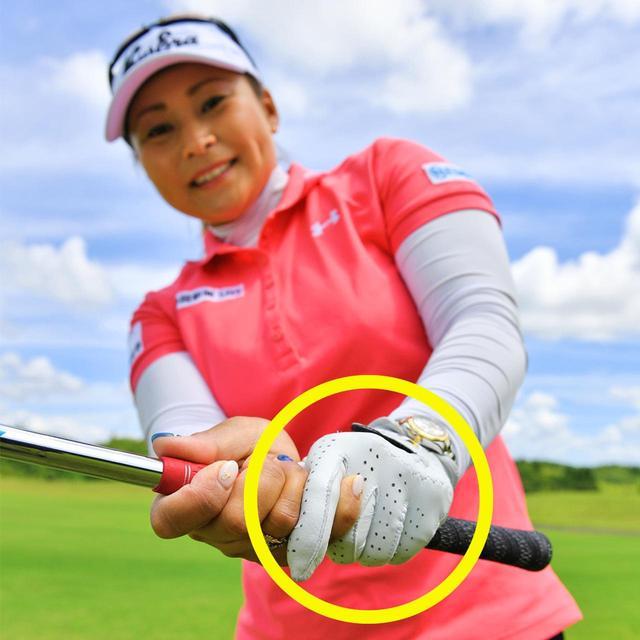 画像: 【ポイント②】 フォローで左手甲を上に向ける
