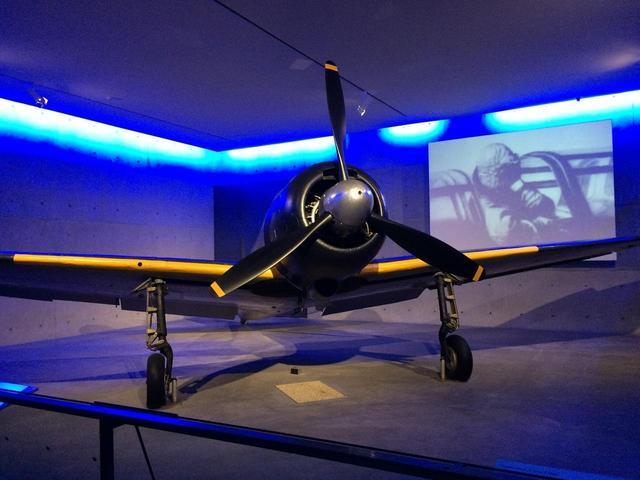 画像: 戦争博物館に展示されている零戦闘機