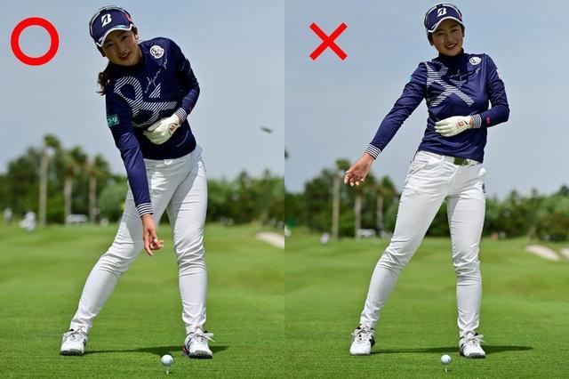 画像: 右わき腹がインパクト前に伸び上がらないように注意している
