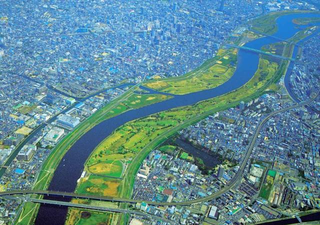 画像: 上空から見た、赤羽ゴルフ倶楽部