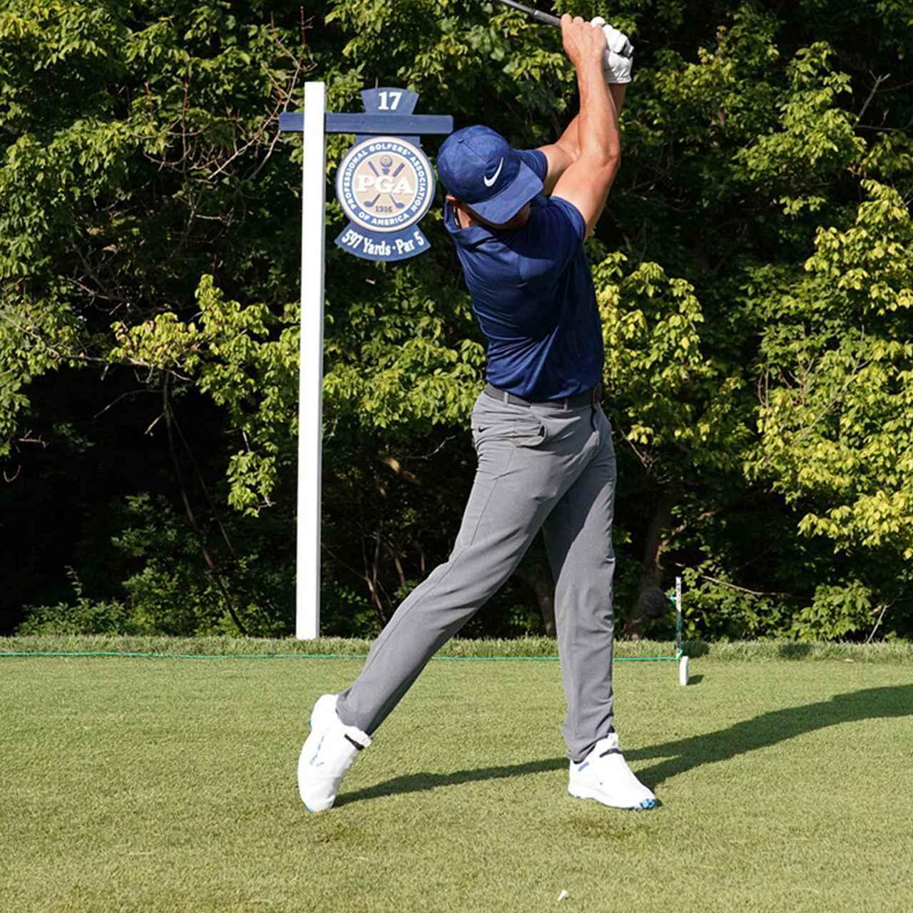 画像9: 【振り切る①】当てにいくから曲がる。プロが実践する「振り切って球まっすぐ!」メソッド