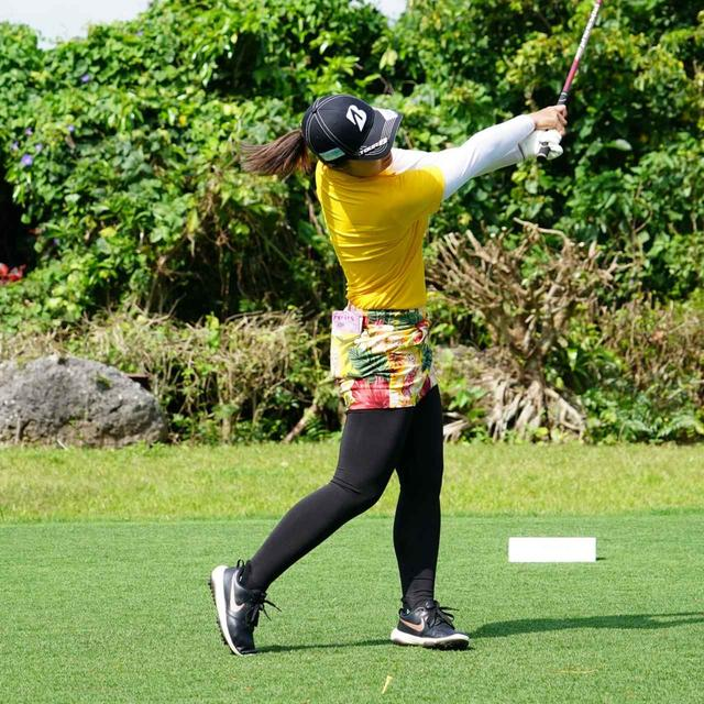 画像15: 【振り切る①】当てにいくから曲がる。プロが実践する「振り切って球まっすぐ!」メソッド