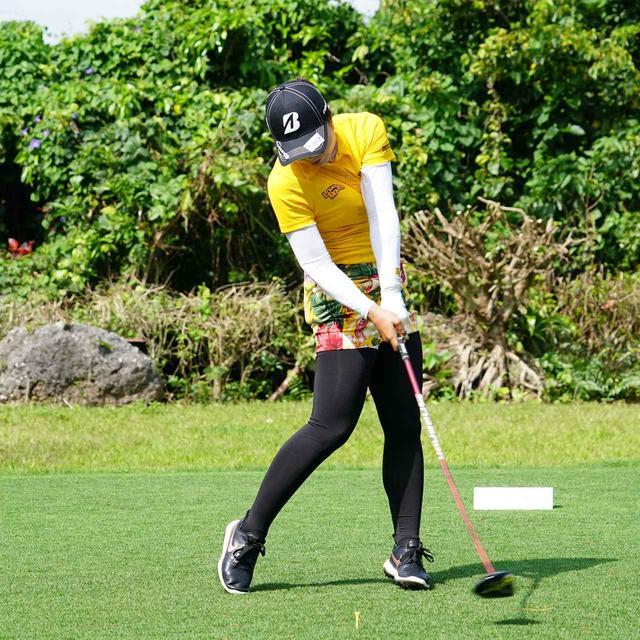 画像14: 【振り切る①】当てにいくから曲がる。プロが実践する「振り切って球まっすぐ!」メソッド