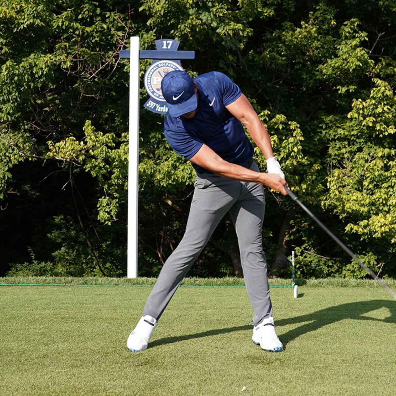 画像8: 【振り切る①】当てにいくから曲がる。プロが実践する「振り切って球まっすぐ!」メソッド