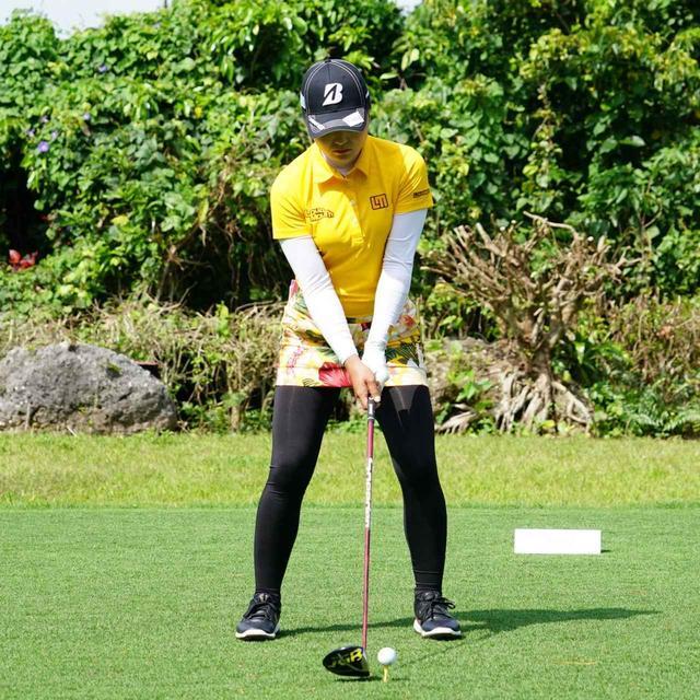 画像11: 【振り切る①】当てにいくから曲がる。プロが実践する「振り切って球まっすぐ!」メソッド