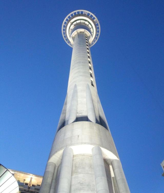 画像: スカイタワー www.skycityauckland.co.nz