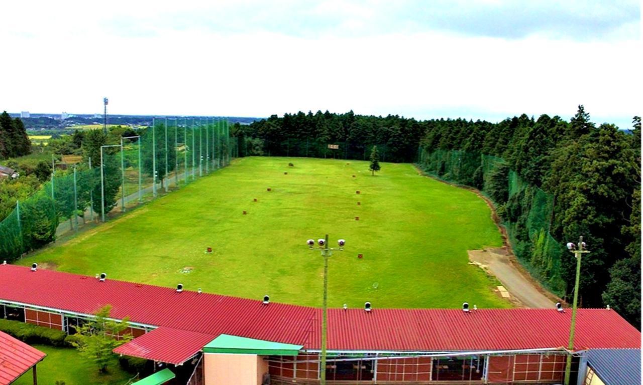 画像: 宍戸ヒルズカントリークラブのドライビングレンジ。屋根付き250㍎