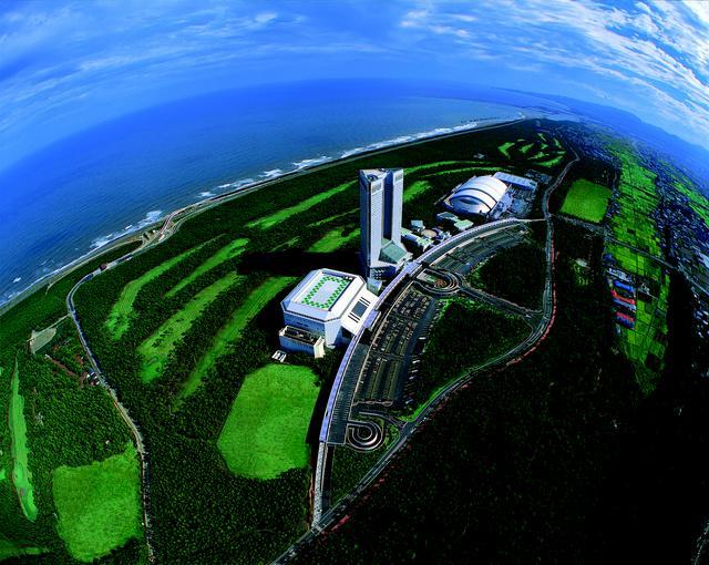 画像: 合宿拠点は、南国宮崎のフェニックスシーガイヤ