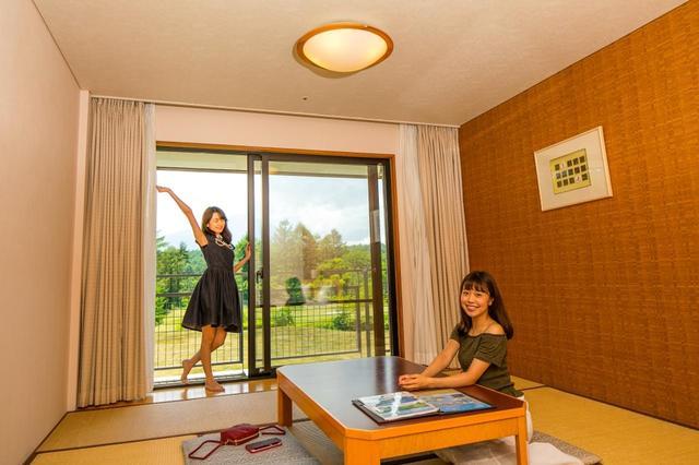画像: 部屋は広々(ゴルル/萩原菜乃花、清水きおい)