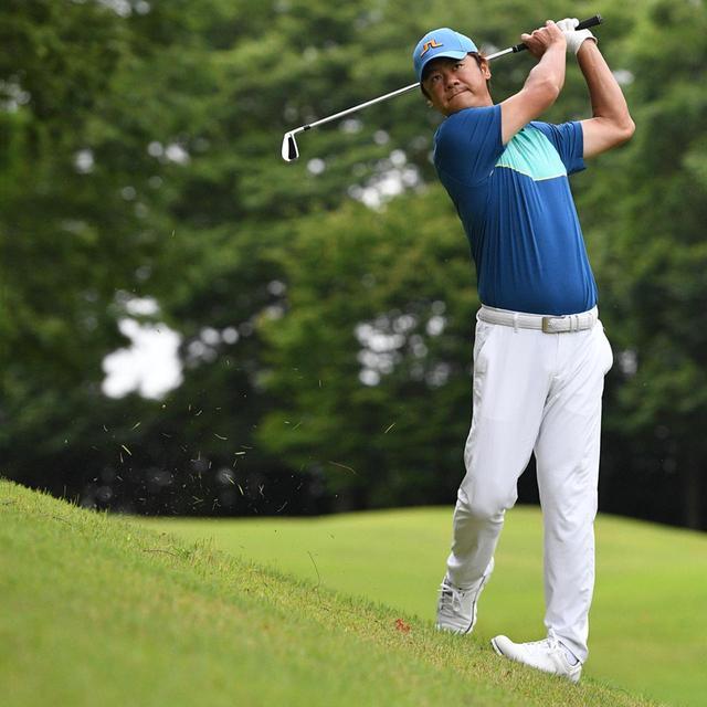 画像8: 【傾斜地アイアン】夏ゴルフ、つま先上がりの斜面ラフに止まった…。さあ、どう打つ?(前編)