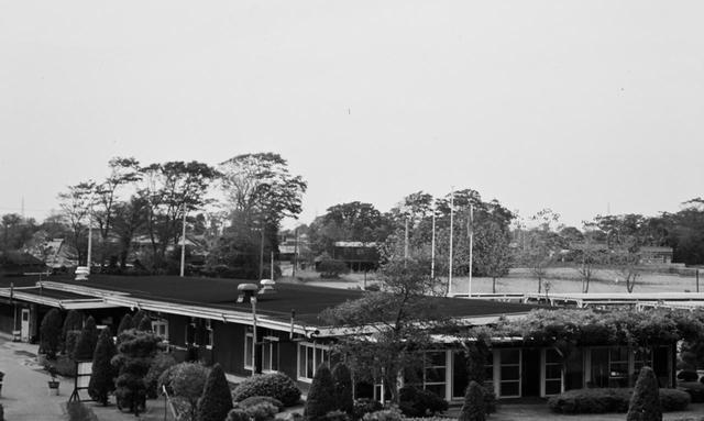 画像: かつての越谷ゴルフ倶楽部のクラブハウス(1973年撮影)