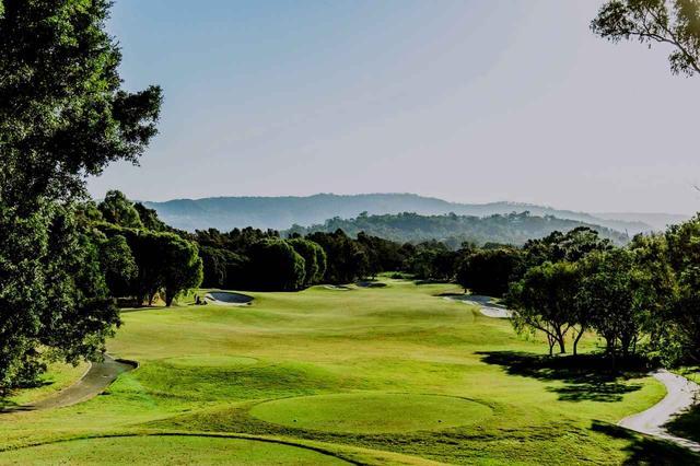 画像: ザ・グレイズゴルフクラブ(7264M・P72)。14番(403M・P4)※オーストラリアはメートル表記(1メートルは1.09Yです)