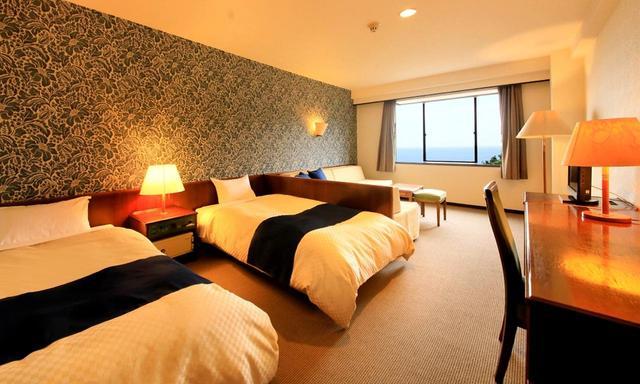 画像: 大洗パークホテル(客室例)。窓からは太平洋、鹿島灘が一望