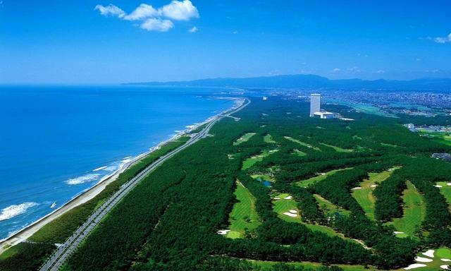 画像: 日向灘沿いに広がるフェニックス シーガイア リゾート