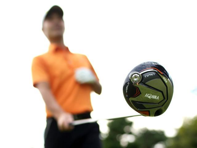 画像: 【本間ゴルフ・TW747シーズ】外ブラ勢を打ちのめせ! カーボンコンポジットに大変身。秋の新作ドライバー2018。2人のプロが40m/sと44m/sで打ってみた「Vol.1」 - ゴルフへ行こうWEB by ゴルフダイジェスト