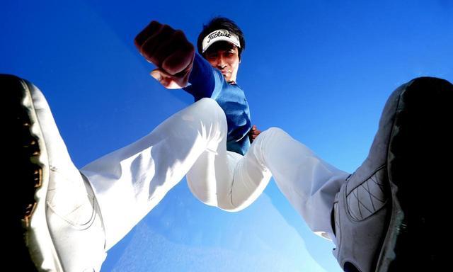 画像: 【レッスンオブザイヤー】ノミネート5人の飛ばし演説①「左腕を突き、右腕を引く。腰の切れが生まれます!」Z打法の若林功二プロ - ゴルフへ行こうWEB by ゴルフダイジェスト