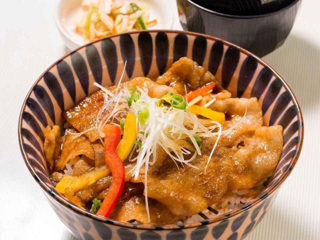 画像: 筑波学園ゴルフ倶楽部のキングポーク豚バラ焼肉丼(料金はプレー代に含まれる)