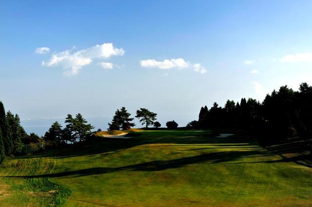画像1: 神戸GC(18H・P61) 六甲山の広がる手造りコース