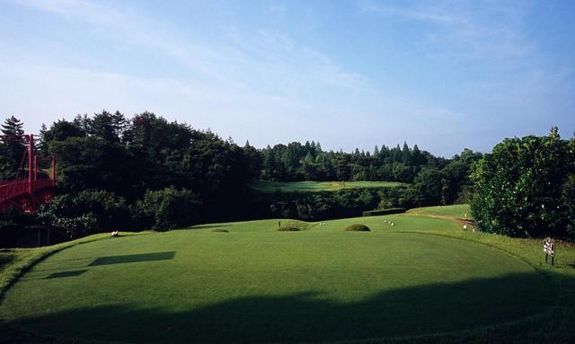画像: 花屋敷ゴルフ倶楽部よかわコース(18H・6840Y・P72) 写真は3番パー3