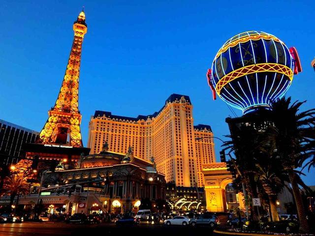 画像1: カジノの街、ゴルファーの街、ラスベガス