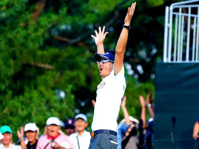 画像: プレーオフでイーグルパットを決めて優勝、石川遼