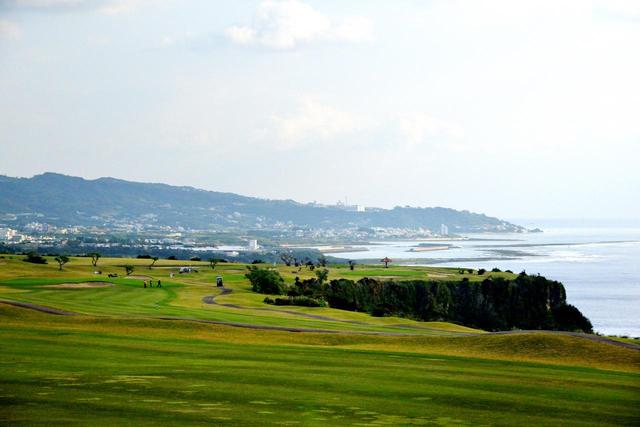 画像: ザ・サザンリンクスGC16番(465Y・P5)右サイドはすべて崖